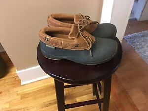 Low cut duck boots, Size 7