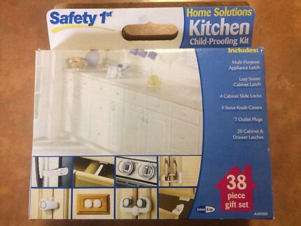 Child-proofing kit - 35 pieces