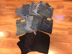 17 Pairs of Women's Bottoms