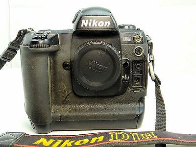 Nikon D1H 2MP Digital SLR Camera - Black (Body Only) - - - - - - -  Works good (Nikon D1h Digital Camera)