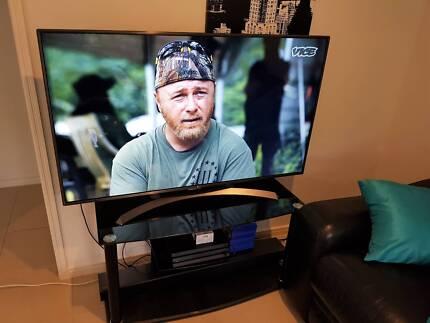 """LG 4K HDR Ultra HD TV 55""""  (Still New)"""