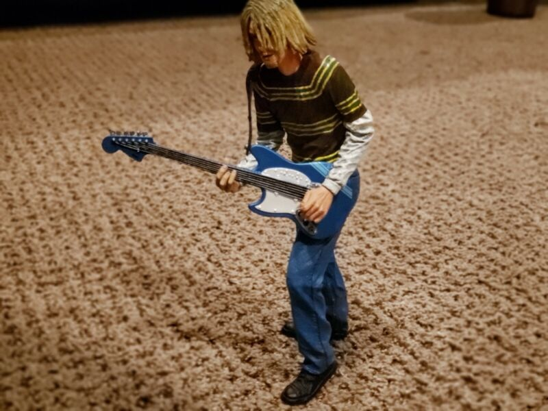 KURT COBAIN NIRVANA 2006 NECA action figure The End Of The Music NEVERMIND wow