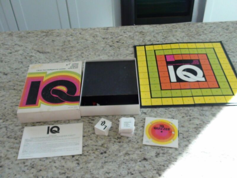 VINTAGE IQ Board Game 1974 by Reiss #163