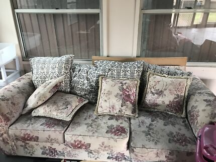 3 seater lounge 2 single chairs