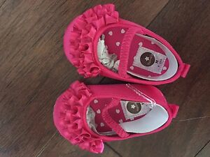 10$ baby shoes