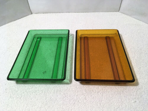 """2 Vintage GLASS PHOTOGRAPHY DEVELOPING DISHES 7"""" x 10"""" Green & Amber Trays"""