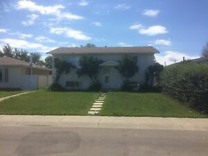 Roommate Wanted, Renovated House near Londonderry Mall