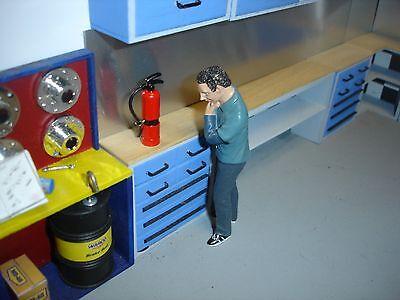 1/18 - Shop Fire Extinguisher -  Medal -  for your shop/garage/diorama