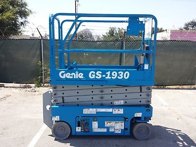 Electric Scissor Lift Genie Gs-1930 Boom Aerial Man - Lift