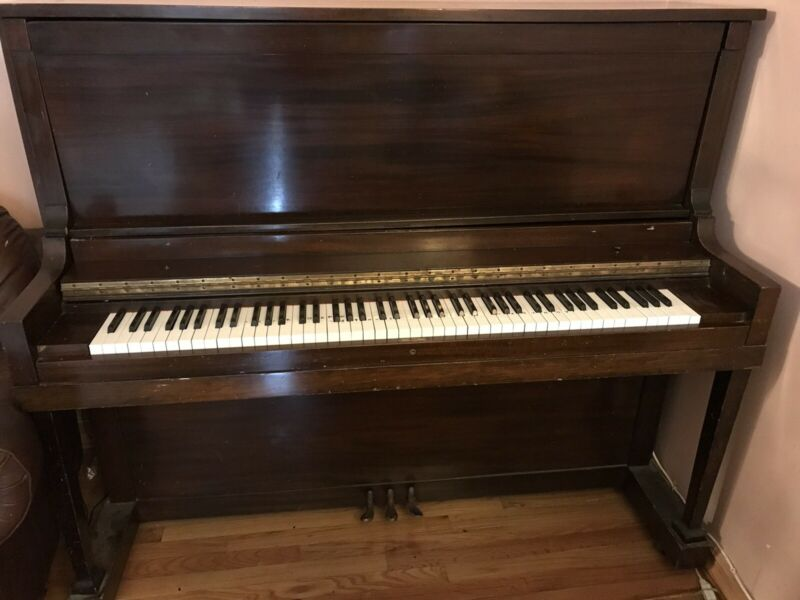 Gable & Sons Upright piano