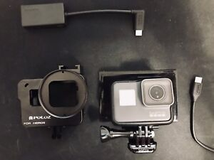 GoPro HERO 5 BLACK & extras: microphone adapter, cold shoe frame