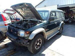 WRECKING / DISMANTLING 1995 MITSUBISHI PAJERO V6 3.5L 5 SP MANUAL North St Marys Penrith Area Preview