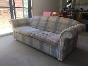 Fold out sofa lounge for sale! Taringa Brisbane South West Preview