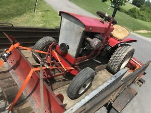 "Simplicity Landlord 2010 Compact Garden Tractor W 50"" Mower"