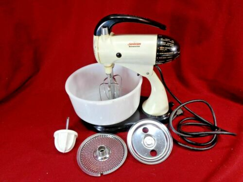 Vintage Sunbeam Mixmaster Mixer Model 10A1, 10 spd, White Glasbake Bowl,
