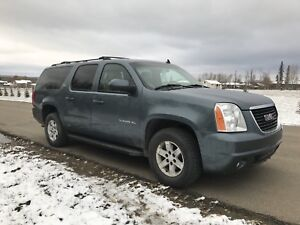 2010 Yukon XL SLT 4x4 Loaded**Extra set of winter tires!