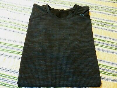 Mens SMALL Textured Black Royal Blue Heather LULULEMON T-Shirt in EUC