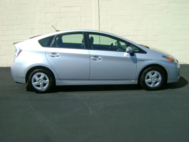 2010 TOYOTA PRIUS HYBRID 1OWN ACCIDENT FREE NON SMOKE NO HONDA NISSAN NO RESERVE