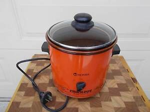 Vintage Retro Monier Crock Pot Slow Cooker Electric Cranbourne East Casey Area Preview