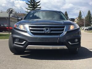2013 Crosstour EXL with Navi - Top of the line