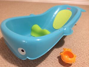 Infant bathtub, Fisher Price Planet Whale of a Tub