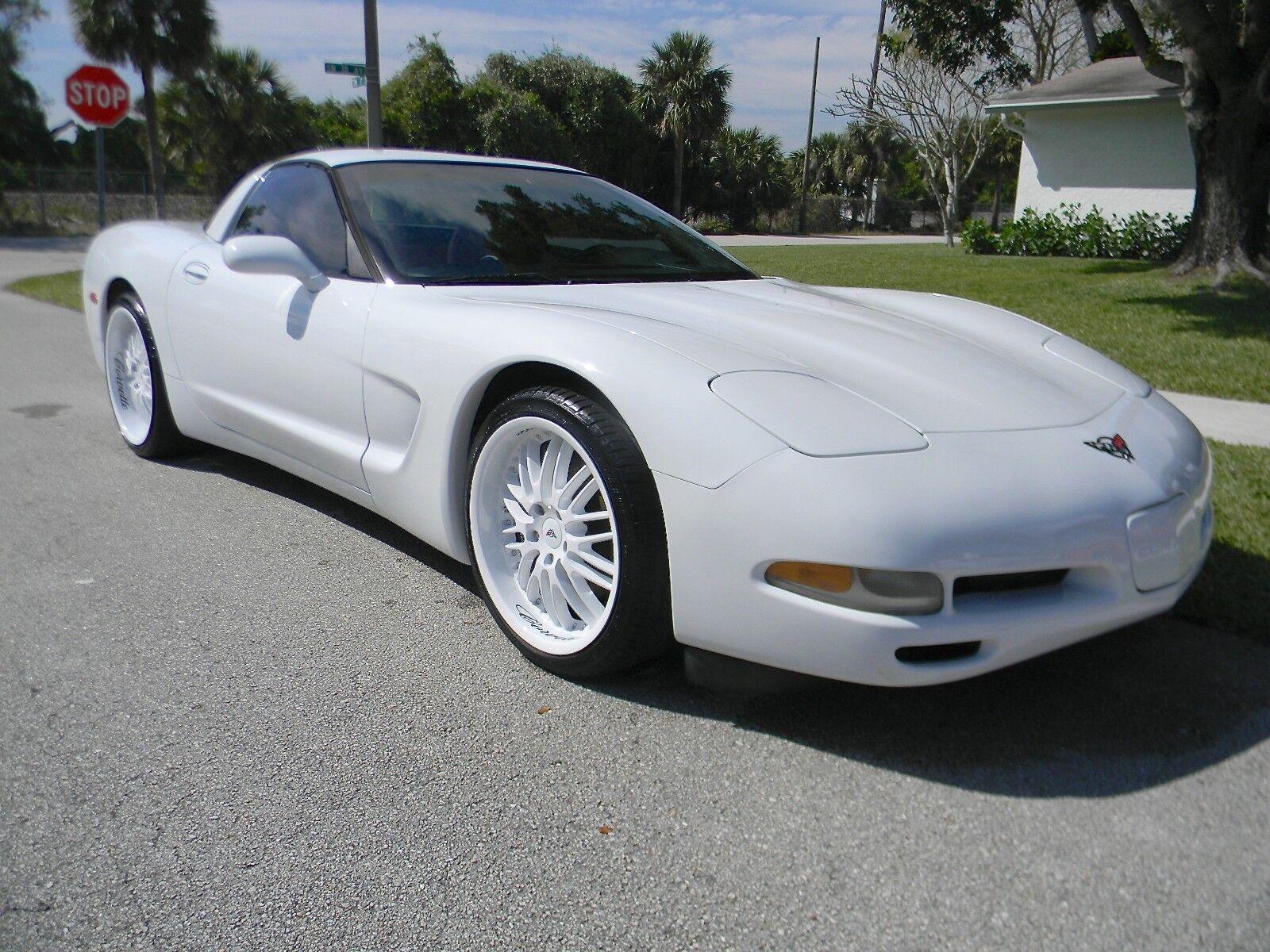2000 White Chevrolet Corvette   | C5 Corvette Photo 1