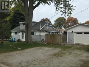 2718 JOHN STREET Sarnia, Ontario