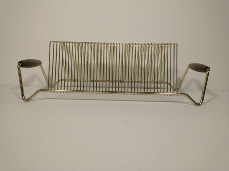 VINTAGE MID CENTURY GOLD TONED WIRE METAL RACK 40 LP RECORD HOLDER