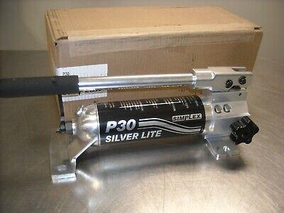 P32 Simplex 2 Speed Hand Pump 1st 200psi 2nd 10000 Psi Oil Capacity 30cu.in.
