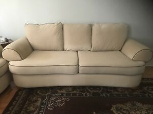 Free sofa set-gone