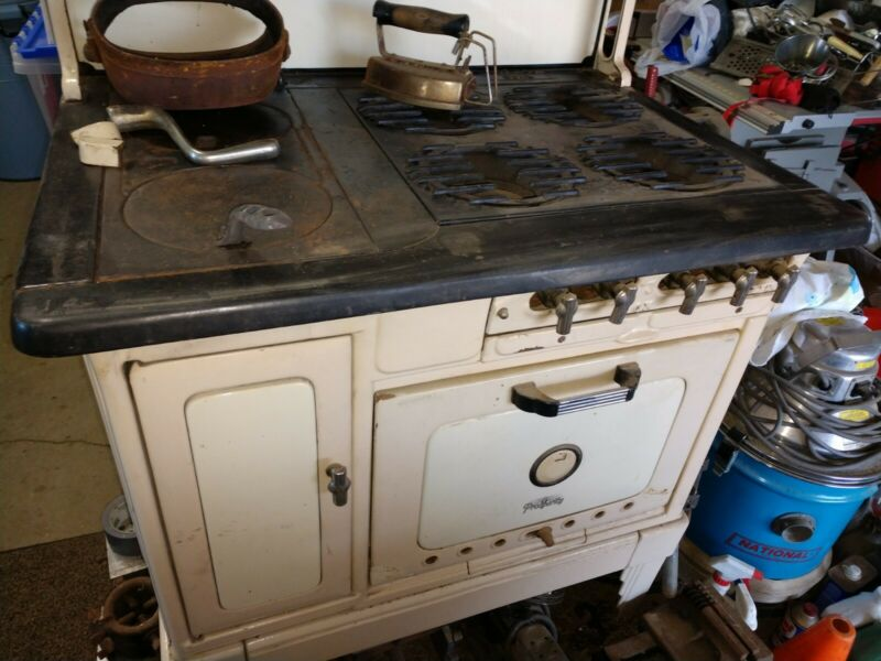 Antique Prosperity Kitchen Stove ,Cast Iron, Wood Or Gas All The Parts There