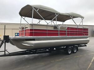 New 2017 Lesiure Kraft twin pontoon boat with 115 hp Suzuki