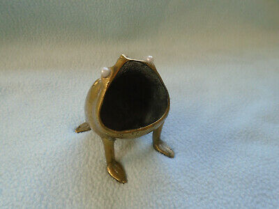 Ref 001 Antique Bronze Wide Mouth Frog With Pearl Eyes
