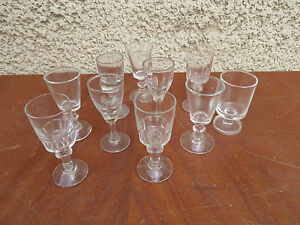 lot de 10 anciens petits verres liqueur digestif pied d 39 un ancien bistrot. Black Bedroom Furniture Sets. Home Design Ideas