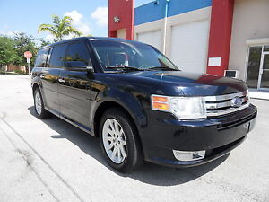 2010-Ford-Flex-SEL-FWD