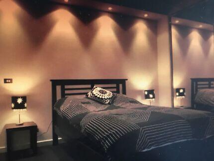 2 bedroom apartment 422 collins st
