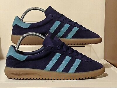 Adidas Bermuda used trainers size 8 originals