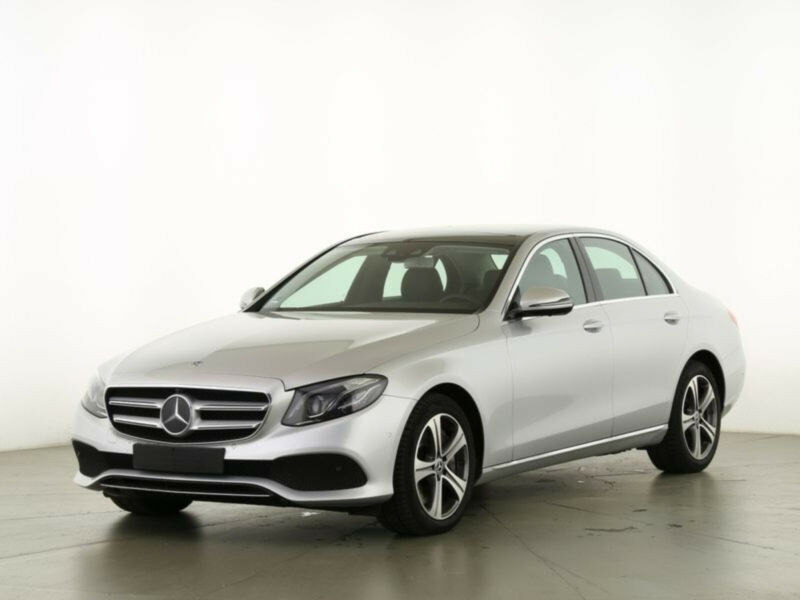 Mercedes-Benz E400d 4M Avantgarde-Multibeam Widescr Pano Distr