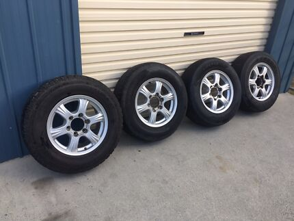 4WD mag wheels 6 stud 16 inch with tyres