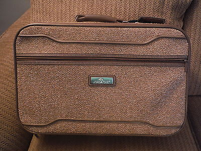 VINTAGE Jordache Brown Tweed Suitcase Luggage - 21 X 13 X 6 - Great Condition - $34.94