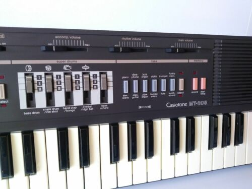 FUN Vintage 1986 CasioTone MT-205 Portable Electronic Synthesizer Piano Keyboard