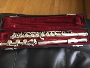 Yamaha YFL-385 Flute - in excellent shape