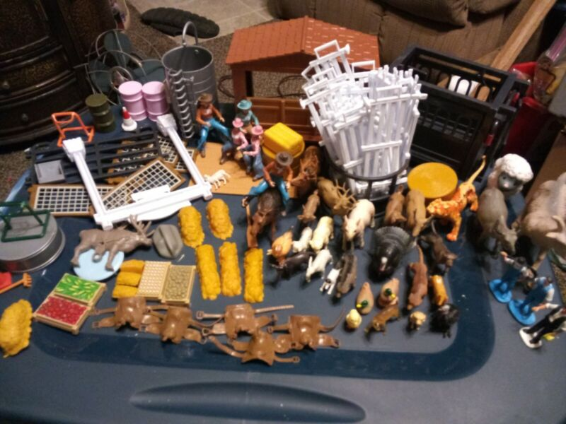 Huge Lot Of 100+ Farm Toys Big Country Ertl Cowboys Animals Fencing Accessories