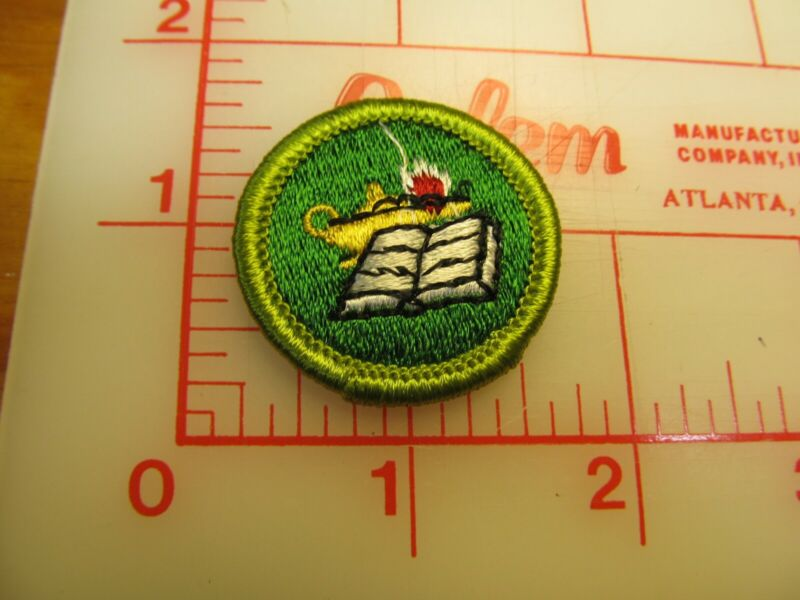 READING merit badge plastic backed patch (oP)