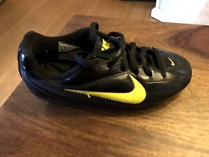 Size 12 Nike Soccer Cleats (Children)
