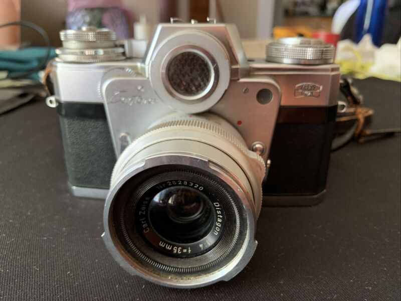 Carl Zeiss Ikon Contarex 35MM Camera with Distagon Silver Chrone Lens 2628320