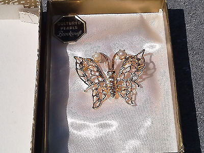 Vintage New In Box Cultured Pearl Butterfly Brookcraft Pin