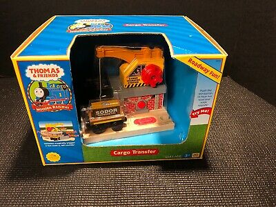 Thomas & Friends Wooden Railway LC 99351 CARGO TRANSFER Station New In Box!