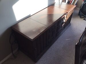 Zenith stereo cabinet and record player