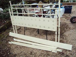 Cadre de lit en fer laqu blanc cass 140 x 190 occasion ebay - Cadre de lit 140 x 190 ...